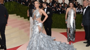 """Rita Ora wears a Vera Wang gown at The Metropolitan Museum of Art Costume Institute Benefit Gala, celebrating the opening of """"Manus x Machina: Fashion in an Age of Technology"""" on Monday, May 2, 2016, in New York. (Photo by Evan Agostini / Invision/AP)"""
