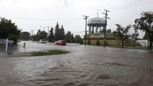 Flash flooding triggers state of emergency in Estevan, Saskatchewan