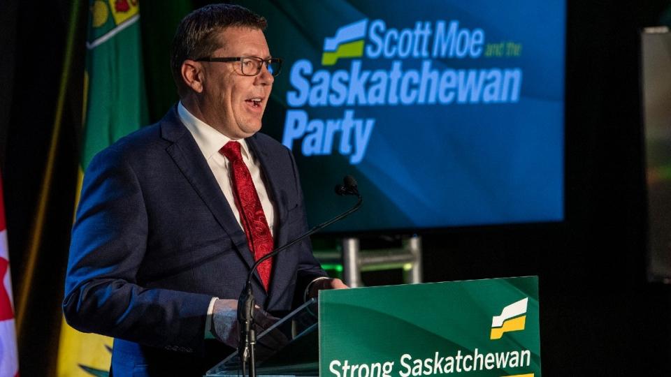 Scott Moe menyampaikan pidato kemenangannya